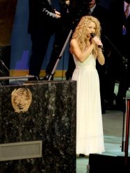 Shakira - United Nations General Assembly Performance in NYC - 09/25/15