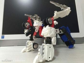 [Mastermind Creations] Produit Tiers - RC-01 Hexatron (aka Sixshot/Hexabot) et RC-01G Grandus Hexatron (aka Greatshot) - Page 3 X0SD7zoM