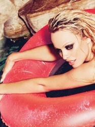 Pamela Anderson 16