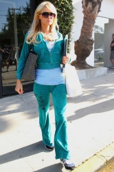 Paris Hilton - leaves a beauty salon. Los Angeles, June 21, 2012