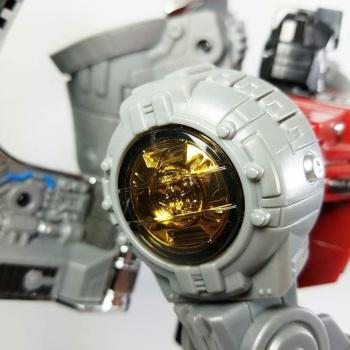 [Fanstoys] Produit Tiers - Dinobots - FT-04 Scoria, FT-05 Soar, FT-06 Sever, FT-07 Stomp, FT-08 Grinder - Page 9 MExjtDNs