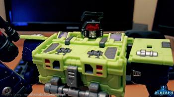 [Toyworld] Produit Tiers - Jouet TW-C Constructor aka Devastator/Dévastateur (Version vert G1 et jaune G2) - Page 5 P98RrnWw