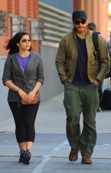 Jake Gyllenhaal & Jonah Hill & America Ferrera - Out And About In NYC 2013.04.30 - 37xHQ UJYp2Jml