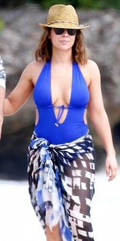 English: Alyssa Milano wears a Blue Bikini Hawaii