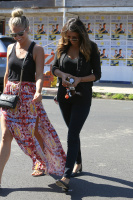 Nina Dobrev with Hilary at Alfred Coffee & Kitchen in West Hollywood (July 29) ZB4NcBxY