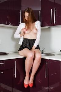 Isabella - In The Kitchen - [famegirls] 6jtOiMVa