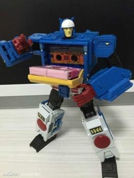 [KFC Toys] Produit Tiers - Jouet Transistor (aka Blaster/Tempo) + DoubleDeck (Twincast) + Fader (aka Eject/Éjecteur) + Rover (aka Autoscout) 6lwOYSW8