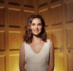 Natalie Portman - Los Angeles Times August 2016 -- Dec.29.2016
