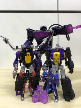 [Fanstoys] Produit Tiers - Jouet FT-12 Grenadier / FT-13 Mercenary / FT-14 Forager - aka Insecticons - Page 3 Wuh8NYKD