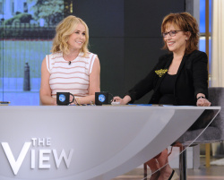 Chelsea Handler - The View: May 22nd 2017