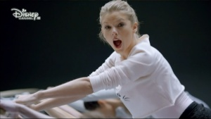 Taylor Swift - Shake It Off Disney Channel 1080i HDMania