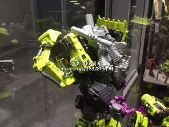 [Generation Toy] Produit Tiers - Jouet GT-01 Gravity Builder - aka Devastator/Dévastateur - Page 2 QeG74LTN