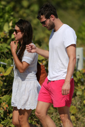 Jamie Dornan - At the beach with his girlfriend, Amelia Warner in Miami - January 17, 2013 - 25xHQ 9EJxLxyn