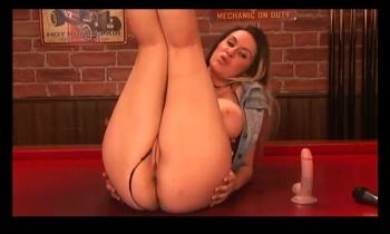 Jess Lloyd 0FSd00LN