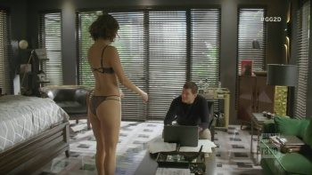 "Lisa Edelstein,Necar Zadegan - Girlfriends Guide to Divorce (2016) S02 E12 ""Lingerie"" 