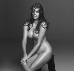 robyn lawley nude photos