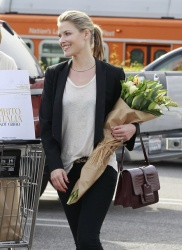 Ali Larter - shops at Whole Foods in LA 2/1/13