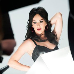 "Katy Perry - New Covergirl ""Plumpify"" BTS Photoshoot *ADDS*"