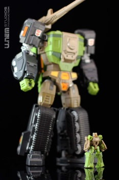 [Maketoys] Produit Tiers - Jouets MTRM - aka Headmasters et Targetmasters - Page 3 YvXIIQbE