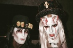 "[Vie privée] 31.10.2012 Los Angeles - Treats! Magazine ""Trick or Treats! Halloween Party"" AcyU6OGm"