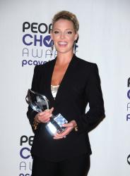 Katherine Heigl - 35th Annual People's Choice Awards, 7 января 2009 (58хHQ) LiaJSkS5