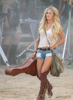 Carrie Underwood - Filming a music video in Mojave Desert, Calif. 8/2/15