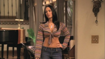 Megan Fox - Two and a Half Men S01 E12 (2004) Cleavage/Lingerie | HD 720p