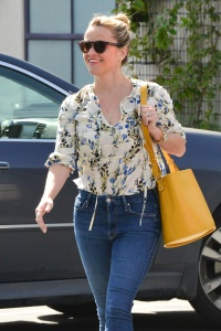 Reese Witherspoon - Out Shopping in Santa Monica March 7th 2017
