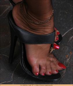 Tags (Genre): Feet, Legs, Foot fetish, Foot Worship