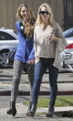 Jennie Garth - out shopping in Studio City 2/22/13