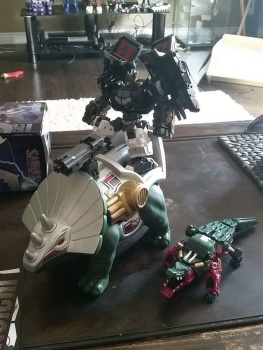 [FansProject] Produit Tiers - Jouet Saurus Ryu-oh aka Dinoking (Victory) | Monstructor (USA) Ma1yVg6l