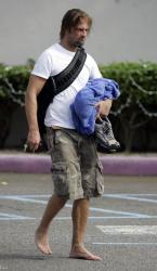 Josh Holloway - Candids coming from gym (2005.12.11) - 6xHQ 1J3mGcfO