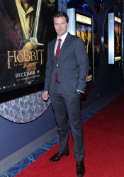 Richard Armitage - The Hobbit An Unexpected Journey - Canadian Premiere - Toronto, December 3, 2012 - 10xHQ VEL7e7fN