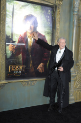 Ian McKellen - 'The Hobbit An Unexpected Journey' New York Premiere benefiting AFI at Ziegfeld Theater in New York - December 6, 2012 - 28xHQ CIg2OWvU