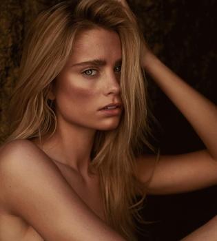nude Allison holton