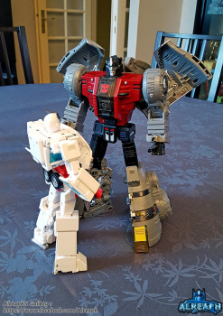 [Fanstoys] Produit Tiers - Dinobots - FT-04 Scoria, FT-05 Soar, FT-06 Sever, FT-07 Stomp, FT-08 Grinder - Page 9 WmL1pEqr