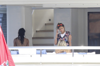 Nina Dobrev and Asustin Stowell enjoy the ocean off the cost the French Riviera (July 26) D5P9nFnf