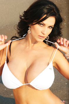 Дениз Милани, фото 4453. Denise Milani White Bikini (From Her Old Website), foto 4453