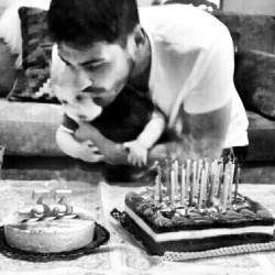 Iker con Martin celebrando su cumpleaños - 20/05/2014 CMNBJG3d