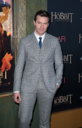 Richard Armitage - attends 'The Hobbit An Unexpected Journey' New York Premiere benefiting AFI at Ziegfeld Theater in New York - December 6, 2012 - 14xHQ MZGzhp2K