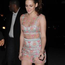 Kristen Stewart - Imagenes/Videos de Paparazzi / Estudio/ Eventos etc. - Página 31 Abeu1uCC