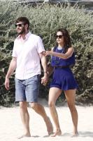 Nina Dobrev with her boyfriend Austin Stowell in Saint-Tropez (July 24) R5rb38Rk