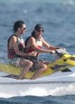 Bill et Tom en vacances aux Maldives Janvier 2010 AdfHiYuR