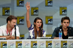 Paul Wesley - Ian Somerhalder,   Nina Dobrev,  Paul Wesley,  Katerina Graham,  Matthew Davis - 'The Vampire Diaries' panel during Comic-Con International 2014 at San Diego Convention Center in San Diego (July 26, 2014) - 101xHQ U1i6vV1b