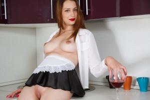 Isabella - In The Kitchen - [famegirls] I54DuTF2