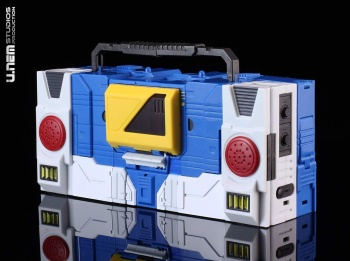 [KFC Toys] Produit Tiers - Jouet Transistor (aka Blaster/Tempo) + DoubleDeck (Twincast) + Fader (aka Eject/Éjecteur) + Rover (aka Autoscout) - Page 2 4GwYYgYo