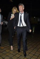 Sean Penn - Charlize Theron and Sean Penn - seen leaving Royal Festival Hall. London - February 16, 2015 (153xHQ) UUMTL5X9
