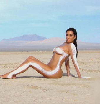 zoo Kim kardashian nude