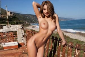 grudi-zagorelie-golie