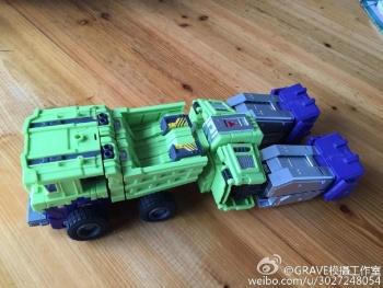 [Toyworld] Produit Tiers - Jouet TW-C Constructor aka Devastator/Dévastateur (Version vert G1 et jaune G2) - Page 7 OxOmQW6Q